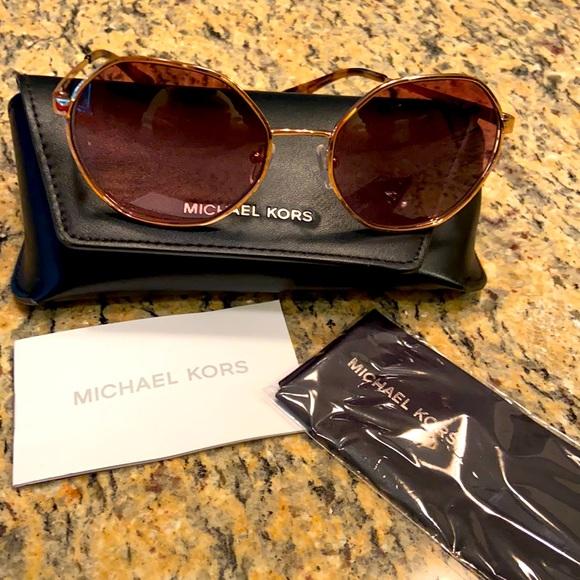 Michael Kors like new rose gold Porto sunglasses
